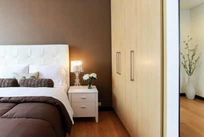 Auxiliary lighting in bedrooms